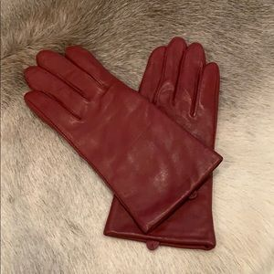 Apt 9 The Red Leather Gloves